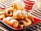 Рецепта Кифлички с шоколад и крема сирене (с бакпулвер и без втасване)